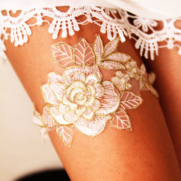 Bridal Garter Wedding Garter Bridal Lace Garter - Rustic Bohemian Ivory /Antique White & Gold Golden Rose Flower Wedding Garter Gold