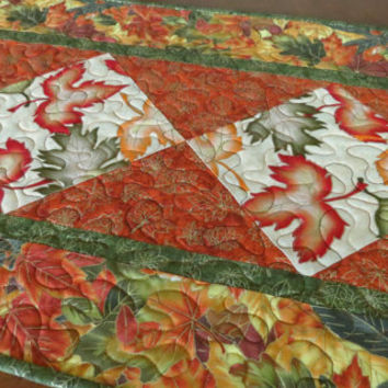 Quilted Autumn Table Runner - Fall Leaves 512