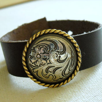 Flower Concho Bracelet,Brown leather cuff with concho,Women's leather wristband,Women's leather wristband