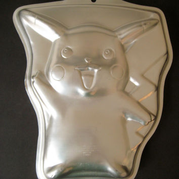 RARE Pokemon Cake Pan PIKACHU Pan Craft Nintendo 1998 Wilton Pokemon Baking Pan Birthday Cake Pan 2105-37 Used Clean