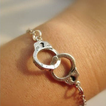 Silver Handcuffs Bracelet / Silver Color, Trending Accessories, Bridesmaids Jewelries, Graduation Friendship Birthday Gift
