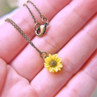 Sunflower Necklace. Antique Brass. .. on Luulla