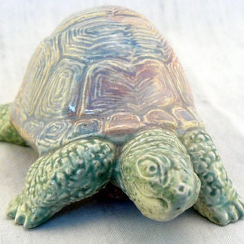 "Ceramic Box Turtle ""Almost Home"""