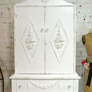 Chic Shabby White Vintage French Cabinet