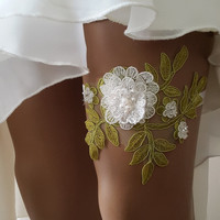 garter, toss garters, emerald green  lace,    wedding garters,    bridal accessores,   garter suspander,    free shipping!
