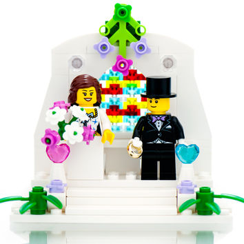 LEGO Wedding Cake Topper: Bride and Groom