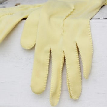 Pale Yellow Gloves, Wrist Gloves Button Fownes