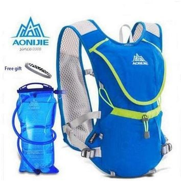 DCCKF4S AONIJIE Men Wome Lightweight mochila Running Backpack Outdoor Sports Marathon Cycling Hiking Bag Optional 1.5L Hydration Water