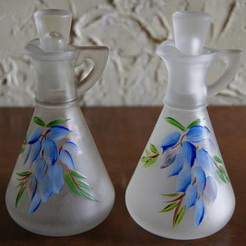 Lot Of 2 Vintage 1950s Hazel Atlas Frosted Glass Cruet Set With Hand Painted Grapes Or Floral Motif