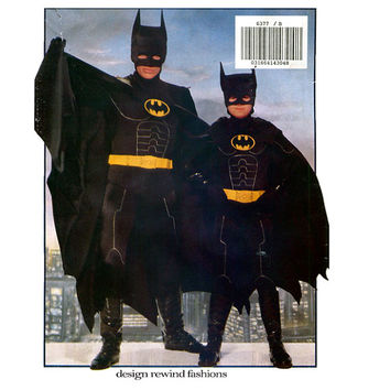 CHILD'S BATMAN COSTUME Pattern Batman Returns Costume Cape & Mask Chest 26 27 28.5 30 32 Butterick 6377 Boys Girls Costume Sewing Patterns