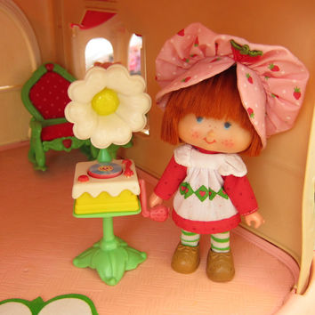 Record Player for Strawberry Shortcake Vintage Berry Happy Home Dollhouse Fun Room Furniture