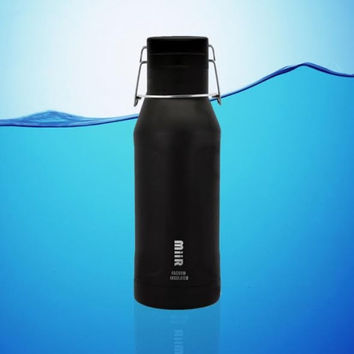 MiiR 32 Oz Vacuum Insulated Howler Water Bottle Black