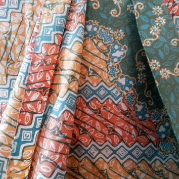 Colorful Pastel Spring Indonesia Batik Fabric, Handstamped, Lucile Green Cotton Batik Sarong for Sarong, Clothing, Quilt, Bag, Skirt, Dress
