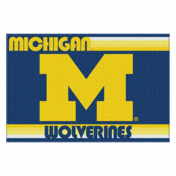 Michigan Wolverines NCAA Tufted Rug (Old Glory Series) (59x39)