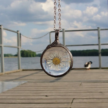 Daisy dried flower  Necklace, One of its kind  medallion, terrarium Necklace, dandelion, herbarium pendant by BUSTANI JEWELRY