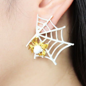 White spider web earrings, spider earrings, spider web earrings, halloween earrings, spider stud earrings, spider web stud earrings