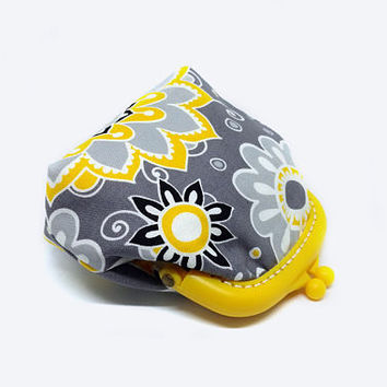 Small pouch - Fabric coin purse - Small coin purse -  Yellow and Grey - Framed clutch purse - Plastic Frame