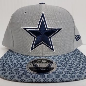 Dallas Cowboys New Era 9Fifty Cap Flat Snapback On Field 2017 Sideline Hat NFL