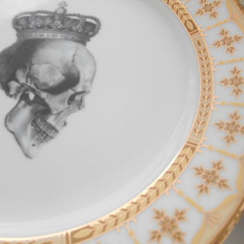 SALE - 5-piece set of Gold Skull Dinnerware