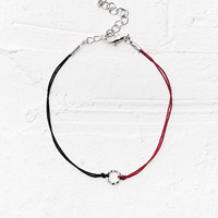 Circle Thread Ring Necklace in Black and Red - Urban Outfitters