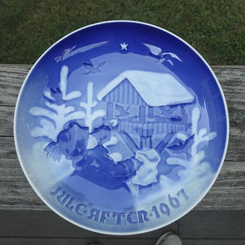 1967 Vintage Royal Copenhagen Bing & Grondahl Blue Porcelain Plate, Denmark, Child and Bird Feeder, Fuglenes Jul, 7.25 Diameter, Copenhagen
