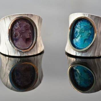 $195.00 Bold Modern Blue or Purple Cameo Unisex Rings by AlexDeHaro