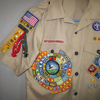 BOY SCOUT Shirt // Pins Patches Ribbons // Cascade Pacific Council / Webelos...large youth