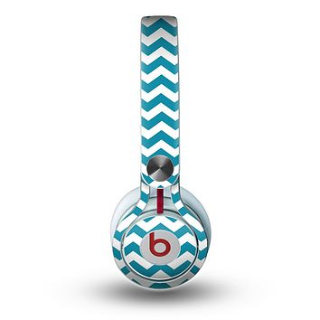 The Subtle Blue & White Chevron Pattern V2 Skin for the Beats by Dre Mixr Headphones
