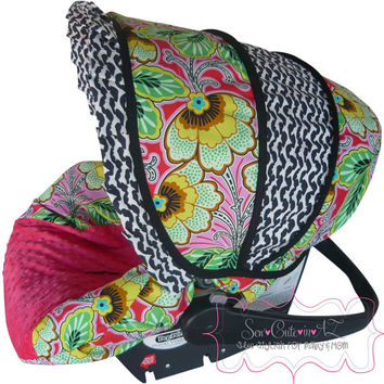 Glamour Berry Couture Infant Car Seat Cover