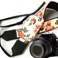 Camera Strap with pocket. Roses Camera Strap. Camera accessories. Photographer gift.