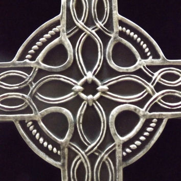 Large Celtic Cross Wall Hanging Gothic Black Pagan Plaque Renaissance Medieval Ornate Irish  Knot Spiritual Gift Big Home Garden Decoration