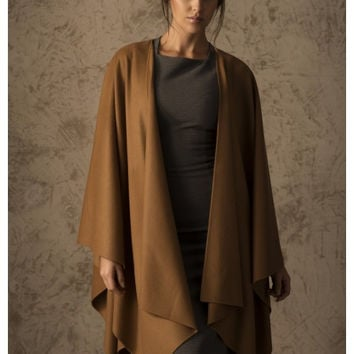 Betty 100% Vicuna Cape