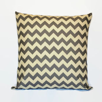 Grey and White PIllowcase //Chevron Throw Pillow // Grey Couch Pillow // Chevorn Pillow Cover // Grey and White Pillow Cover // Home Decor