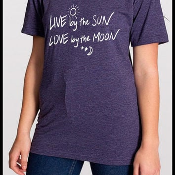 Live by the SUN Love by the Moon Ladies Vintage feel Shirt Screen Print Hand Print