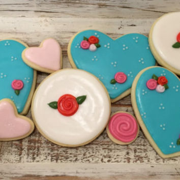 1 dozen hearts and roses cookies