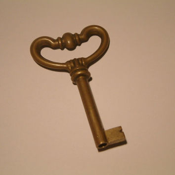 vintage key/brass vintage key