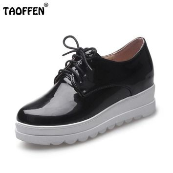 Round Toe Patent Leather Cross Strap Footwear