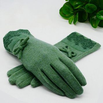 Women Wool Cashmere Warm Winter Gloves With Lace Detailing