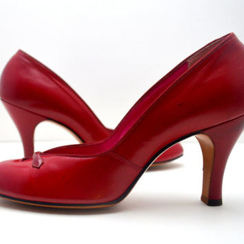 Spectacular Vintage Red Pumps, Vamp Heels by Ci Ranno New York, Never Worn, Size 7.5 AAAA, Styled by Harry Parlow, 1960s