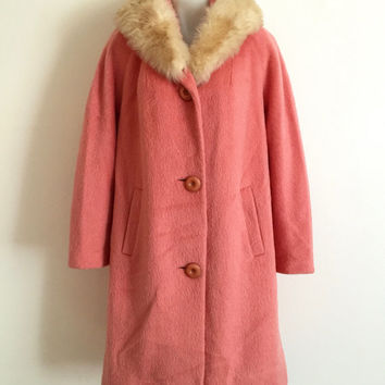 Vintage 1950s 'Rothmere' musk pink wool and mohair button up coat with raglan sleeves and blonde fur collar / Made in England