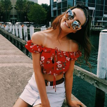 Red printed chiffon skirt off-shoulder top chest holes The word collar