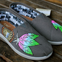 Pink, baby blue, lime green dream catcher Youth TOMS ash grey classics