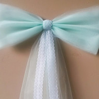 Mint Green Pew Bow with Lace, Wedding Pew Bow, Lace Pew Bow, Tulle Pew Bow, Bridal Shower Bow, Door Mailbox Tree Topper Church Decoration