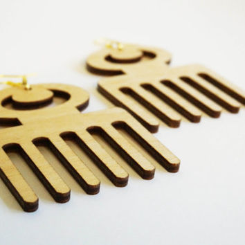 NEW!! Earring wood: Adinkra Duafe, lasercut birch plywood, topcoated, african, symbol for 'Beauty and Cleanliness, Feminine Qualities'
