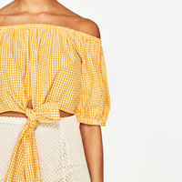 OFF-THE-SHOULDER GINGHAM TOPDETAILS