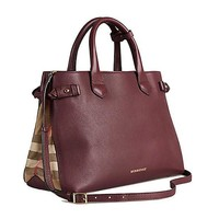 DCCKON3F Tote Bag Handbag Authentic Burberry Medium Banner in Leather and House Check MAHOGANY RED Item 39630371
