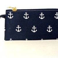 Saliors Delight: This nautical larger wristlet will fit all size cell phones. Iphone 6 plus, Samsung Galaxy 4 or 6 edge