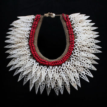 New Guinea Necklace Large Pointed White Sliced Shells And Red Seeds On A Plaited Rope Base.Tribal Seashell Ethnic Adornment Collar Choker