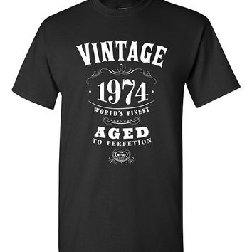 40th Birthday Gift Vintage 1974 T-shirt Tshirt Tee Shirt Dads Moms Mens Womens Funny Joke Whisky Aged to perfection Parents bday present