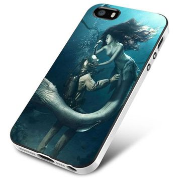 DIVER AND THE MERMAID iPhone 5 | 5S | 5SE Case Planetscase.com
